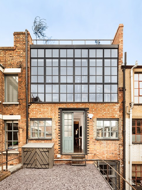 Another London entry is this beautiful loft by Felix&Martin Architects. Located in a heritage conservation area, the original style was maintained.